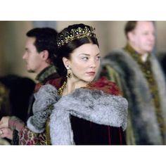 Natalie Dormer Hairstyles as Anne Boleyn in The Tudors StrayHair ❤ liked on Polyvore featuring natalie dormer and the tudors