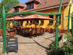 Blick in den Biergarten der Parkgaststätte Laucha Park, Beer Garden, Playground, Parks