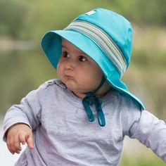 Pălărie din materiale exclusiv organice.  - 100 % bumbac organic din culturi controlate biologic kbA. Bumbacul este lipsit de aditivi chimici.    Este o super pălărie de soare  pentru cei mici și mari, le protejează capul, fața, gâtul și umerii de razele soarelui în plimbări, la mare sau drumeții.  Este o super pălărie de soare cu protecție UV pentru cei mici.  Mărimi pălărie de la 48(bebeluși,copii)  până la 56(adulți- femei și bărbați).   Produsele Pickapooh sunt fabricate în Germania. Marie, Hats, Fashion, Firefighter, Tricot, Moda, Hat, Fashion Styles, Fashion Illustrations