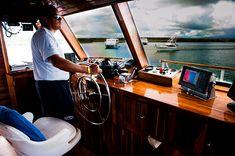 Galapagos Islands, Tour Guide, Ecuador, Html, Tours, Train, Mirror, Cruises, Guayaquil