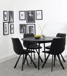 Rowicon retrohenkiseen Yumi-sarjaan kuuluva ruokapöytä on saatavissa usean eri muotoisena, kokoisena ja värisenä. #kruunukaluste #ainain #rowico #homedeco #scandinavianhomes #interior #inspiration #interiordesign #homeinspiration #sisustus #sisustusinspiraatio #sisustusidea #wooden #modern #diningtable #diningroom