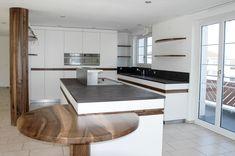 Wer geht da nicht gerne in die Küche... Es ist immer schön, solch einen Wohlfühlort zu haben. Wir bauen Ihre Traumküche. Nehmen Sie unsere Fachkompetenz in Anspruch.   #schreinereilohrer #küchenbauer #innenausbau #swissmade #massivholzküchen #handwerk #design #massivholzmöbel #kochinsel #wood #carpenter #woodworker Room Ideas Bedroom, Kitchen Island, Design, Home Decor, Wood Workshop, New Furniture, Restore, Craft Work, Island Kitchen