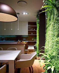 Küchenschranktüren Weiß Push To Open Holzwand Weißer Tisch