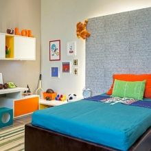Inspirada na animação Monstros S.A. a arquiteta Clélia Regina Angelo criou um espaço super colorido e prático.