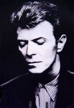 black and white pictures of david bowie David Bowie Music, David Bowie Born, David Bowie Tribute, Music Pics, Pop Music, Black Tie White Noise, David Bowie Pictures, Bowie Starman, The Thin White Duke