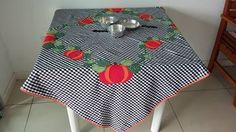 Toalha de mesa Sob encomenda - Medidas:  1,48 x 1,37 - 100% algodão