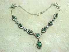 TURKISH OVAL SHAPE EMERALD & TOPAZ 925K STERLING SILVER NECKLACE