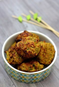 Boulettes de courgette à l'oignon et curry