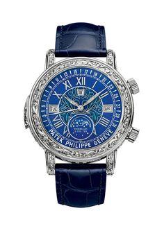 """La montre """"Sky Moon Tourbillon"""" référence 6002 de Patek Philippe http://www.vogue.fr/joaillerie/le-bijou-du-jour/diaporama/la-montre-sky-moon-tourbillon-reference-6002-de-patek-philippe/14194"""