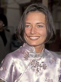Actress Catherine McCormack attends the Braveheart Hollywood Premiere on May 1995 at Paramount Studios in Hollywood, California. Catherine Mccormack, Secret Crush, Mel Gibson, Braveheart, Female Actresses, British Actors, Famous Women, Beautiful Actresses, Pretty Woman