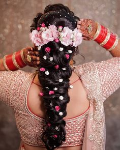 5 the best Hairstyles that every bride should know about! Chic Hairstyles, Bride Hairstyles, Indian Wedding Hairstyles, Hairstyle Wedding, Rose Bun, Wedding Preparation, Good Hair Day, Bridal Shoot, Hair Ornaments