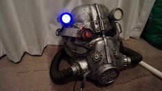 The best Fallout Helmet How To i have ever seen. :) this was awesome.