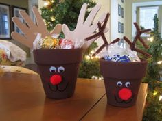 Love these reindeer pots!
