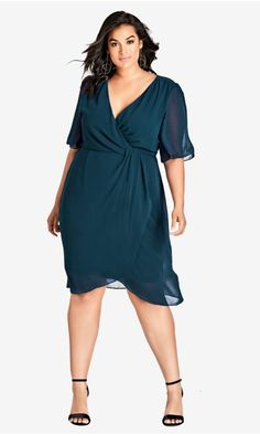 45 Plus Size Wedding Guest Dresses {with Sleeves} - Alexa Webb size dresses with tights Shop Women's Plus Size Twist Love Dress - Petrol Plus Size Wedding Dresses With Sleeves, Plus Size Black Dresses, Dresses For Apple Shape, Plus Size Cocktail Dresses, Plus Size Outfits, City Chic, Plus Size Fashion For Women, Plus Size Women, Apple Dress