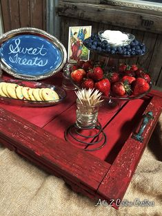 Tips on simple yet creative Memorial Day tablescapes.
