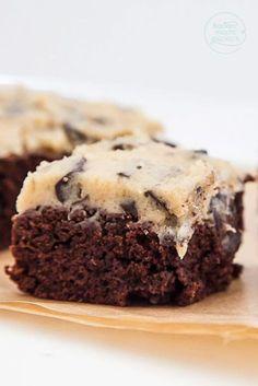 Brownies mit Keksteig-Topping (Cookie Dough) - Cookie Dough Rezept ohne Ei Imágenes efectivas que le proporcionamos sobre receita saborosas Una im - Brownie Cookies, Cookie Dough Brownies, No Bake Brownies, Chocolate Chip Cookie Dough, Baking Brownies, Chocolate Brownies, Easy Brownies, Chocolate Cheese, Cheesecake Cookies