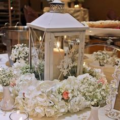 Romantic wedding centerpiece Wilmette Florist | Flower Delivery by Flowers by Geo