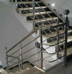 Design Of Stainless Steel Railing Ideas Design Of Stainless Steel Railing Ideas, home looks more beautiful next alternative trimmings found inside. Stair railing is one of such installations. Wooden Staircase Railing, Outdoor Stair Railing, Modern Stair Railing, Modern Stairs, Staircase Design, Deck Railings, Steel Grill Design, Steel Railing Design, Balcony Railing Design