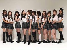 A fine flock of seifukus. School Girl Japan, Japan Girl, Kpop Girl Groups, Kpop Girls, Ulzzang, Skirt Fashion, Fashion Outfits, Girl Friendship, Schoolgirl Style
