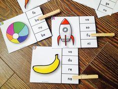 Les syllabes - quelle syllabe entends-tu? Les élèves doivent identifier l'image donnée et trouver la syllabe qui est inclue dans le mot en question. Centre/atelier de littératie. Il y a un total de 40 cartes.