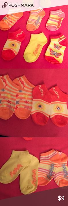 Flapdoodles Toddler Socks, 6 Pairs Authentic Flapdoodles Toddler Colorful Socks, 6 Pairs. Size: 2-4T. Predominant Colors are Coral, Yellow, White, & Pink. 79% Acrylic/25% Polyester/5% Spandex. Brand New. Excellent Condition. No Trades. Flapdoodles Accessories Socks & Tights