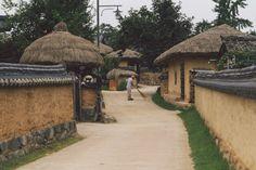 Andong Hahoe Village - Bobo and ChiChi - 160709_Andong_36_
