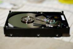 何か撮りたいけど、撮るもの無かったんで、HDDの分解写真・・・。     http://www.azoda.vn