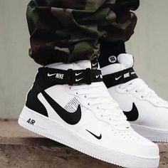 New sneakers nike outfit fashion jordan shoes Ideas Cute Nike Shoes, Cute Sneakers, New Sneakers, Sneakers Fashion, Air Jordan Sneakers, Nike Shoes Men, Shoes For Men, Cute Sneaker Outfits, Nike Men