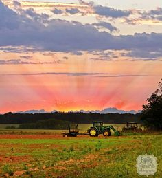 Farm life ♡♥♡♥ Love the tractor out in the field~