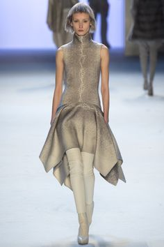 Akris Fall 2015 RTW Runway - Vogue-Paris Fashion Week