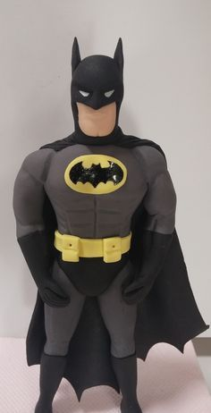 "Studio ""FONDANT DESIGN ANA"" - Figurice za torte (fondant figures): BATMAN"