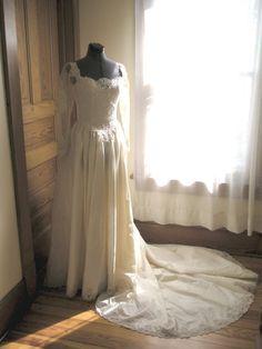 Vintage Bridal Gown Wedding Dress by SilkPurseVintUpcycle on Etsy, $245.00