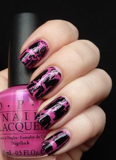 I promised to make a special post about the Black Shatter polish. I am talking just about Black Shatter at the moment because I haven´t trie. Short Nail Bed, Short Nails Art, Halloween Nail Designs, Halloween Nails, Opi, Essie, Crackle Nails, Les Nails, Nail Polish Trends