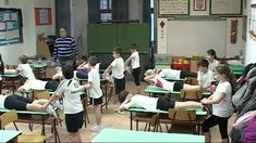 Testnevelés óra a tanteremben 3.b Ócsa