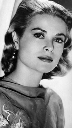 Grace Kelly- I believe that she was one of the most beautiful people ever!
