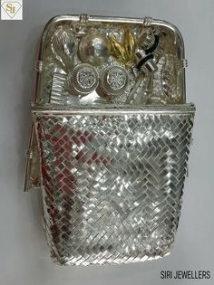 Gold Jewellery Design, Silver Jewelry, Antique Silver, Antique Jewelry, Silver Pooja Items, Silver Lamp, Silver Furniture, Silver Ornaments, Silver Gifts