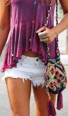 Boho chic top & modern hippie casual cut off shorts. Ethnic tribal inspired purse with gypsy style tassels. Bohemian fashion trends in clothing & jewelry. Hippie Style, Gypsy Style, Bohemian Style, Bohemian Bag, Bohemian Fashion, Boho Bags, Ethnic Fashion, Boho Gypsy, Bohemian Jewelry