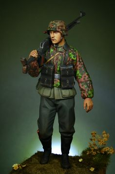 Enjoy When You Can: German SS Infantry with PzB 39 (1/16, Alpine Miniatures)