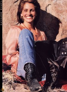 Julia Roberts the fan club album Estilo Fashion, 90s Fashion, Fall Fashion, Fashion 1920s, Fashion Outfits, Julia Roberts Style, Poses, Fangirl, Robert Young