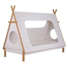 Kijk eens hoe knus dit Woood Tipi bed is! En wat een leuk ontwerp! Jouw kind kan nu als een échte indiaan slapen in een tipi bed. Aan de zijkant van het bed én aan het voet- en hoofdeind zit een kijkgat, zodat jouw kind naar 'buiten' kan kijken.