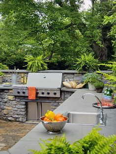 If there's anything I dream about more than my kitchen, it's my outdoor kitchen....