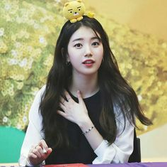 The only one of my life in the next few months. Hyuna Kim, Miss A Suzy, Kpop Hair, Attractive Girls, Bae Suzy, Korean Actresses, Girl Day, Celebs, Celebrities