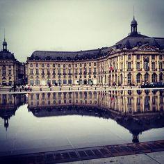 Bordeaux Explore Bordeaux Wine region at your own pace http://www.detours-in-france.com/Bordeaux-walking-tour-126-2-5.html