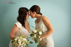 a bride and her best friend!! so cute!  professional photography by: Intrigue Studio, www.Intrigue-Photography.com