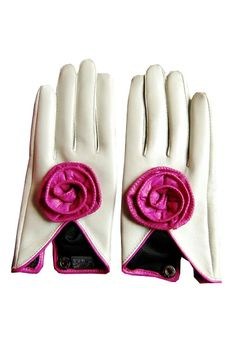 Flower Detail Leather Gloves - sassy white gloves, lined in black acetate.  Trimmed with hot pink piping.  The deep 'v' on the back of the hand is accented with a hot pink leather rosette.