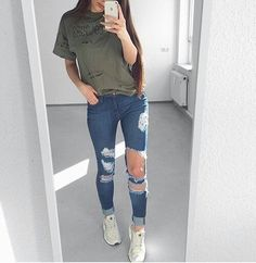 REBOOK OUTFIT