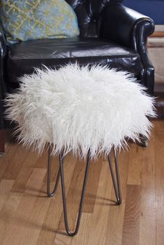 Does this faux fur look familiar? It's the same stuff I used to make a throw pillow recently. Since I had leftovers I decided to make it into a fancy faux fur stool, complete with hairpin legs. It was way easier than I thought it would be, and now I have the perfect glamorous fluffy … … Continue reading →