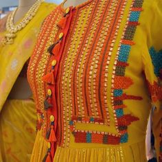 Beauty of colour combination in embroidry detailing Zardozi Embroidery, Embroidery On Kurtis, Hand Embroidery Dress, Kurti Embroidery Design, Hand Embroidery Stitches, Hand Embroidery Designs, Applique Designs, Floral Embroidery, Embroidered Clothes