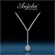 Drop dead gorgeous diamond necklace!