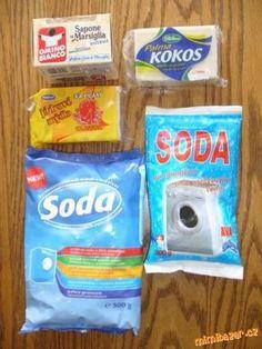 DOMÁCÍ PRACÍ PROSTŘEDEK Soda na praní(lépe prášková, velmi horkou vodu,obyčejné mýdlo na praní(-175g),vařečká, kbelík, struhadlo,párátko. POSTUP PŘÍPRAVY Mýdlo nastrouháte (co nejmenší kousky, rozpustí v horké vodě).(přibližně 1L horké vody), míchát,než se rozpustí.Po rozpuštění mýdla si připravte kelímek sody na praní(kelímek-je 250 ml).Dále postupně vlévat  vodu, co nejteplejší pomalu a postupně soda,neustále míchejte(9-10l vody).Celý proces 20 min.Směs 15 hodin odstát(občas promíchejte) Soda, Nordic Interior, Kitchen Hacks, Interior Design Living Room, Cleaning Hacks, Projects To Try, Good Things, Homemade, Retro